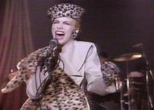 """Video of the Week – Eurythmics """"Right By Your Side"""""""