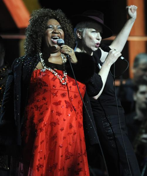 Aretha Franklin and Annie Lennox  – Cool Love at Madison Square Gardens