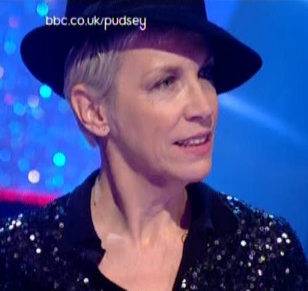 Annie Lennox and David Gray perform Full Steam on Children In Need