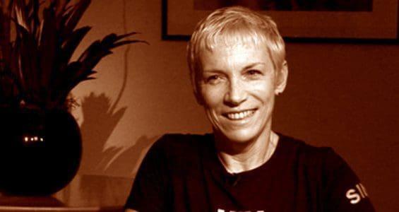 Interview Alert – Annie Lennox on Aljazeera – One To One