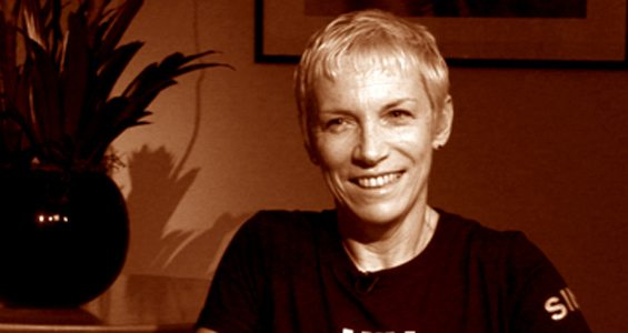 Watch Online: Annie Lennox Interview – Aljazeera – One on One