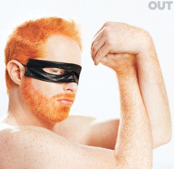 Jesse Tyler Ferguson Is Annie Lennox Ans Is Touched By Eurythmics
