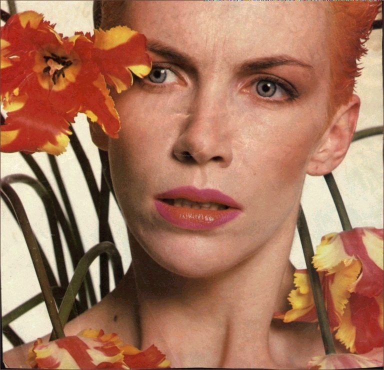 Ultimate Eurythmics Rare Photo Feature Day 11 – Annie Lennox Is Attacked By Triffids