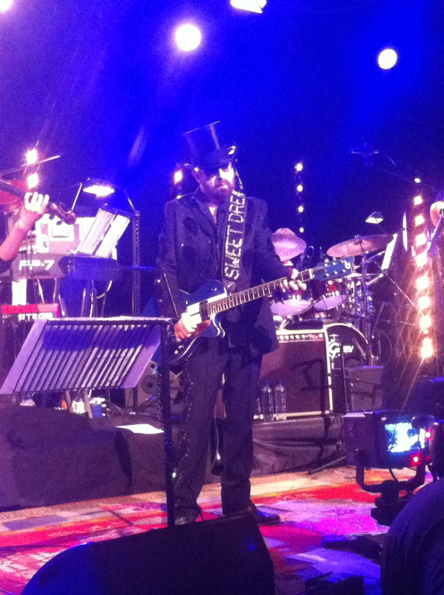 Dave Stewart Review: Live At The Hospital Club For The 2012 Walk A Mile Initiative