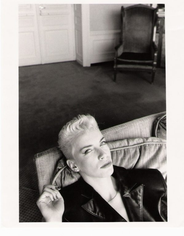 Photo Of The Week: Eurythmics – Annie Lennox Taking A Rest