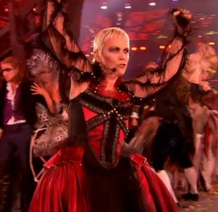 Annie Lennox Performs Little Bird At The London 2012 Olympic Games Closing Ceremony