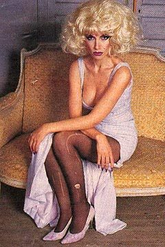 Eurythmics: Savage25: Photo – Annie And Her Laddered Stockings