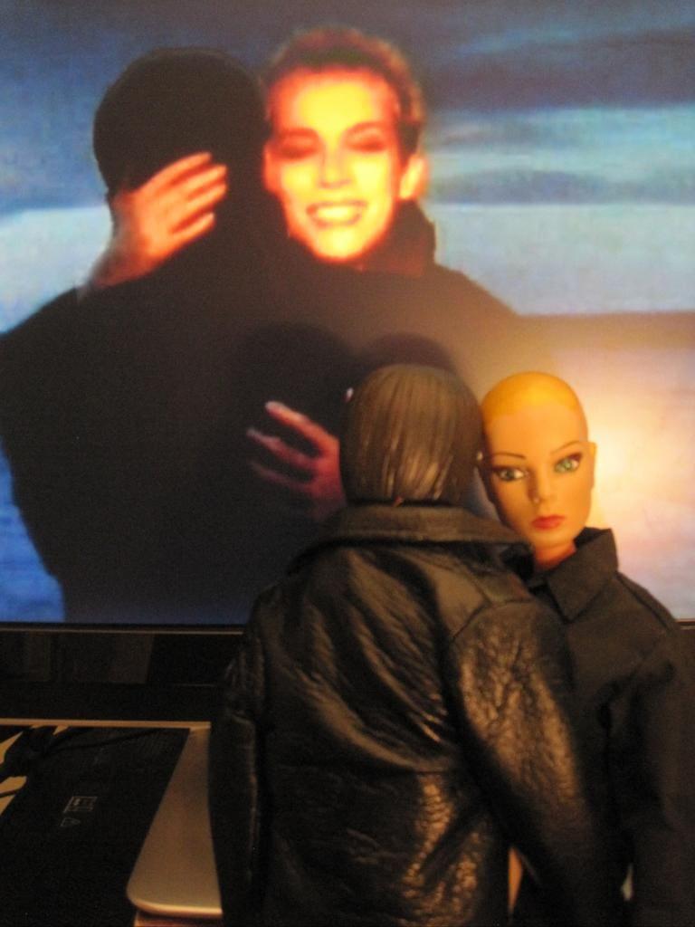 Eurythmics: Savage25: Brendan's Dolls In Savage Video Re-Enactment Shocker!