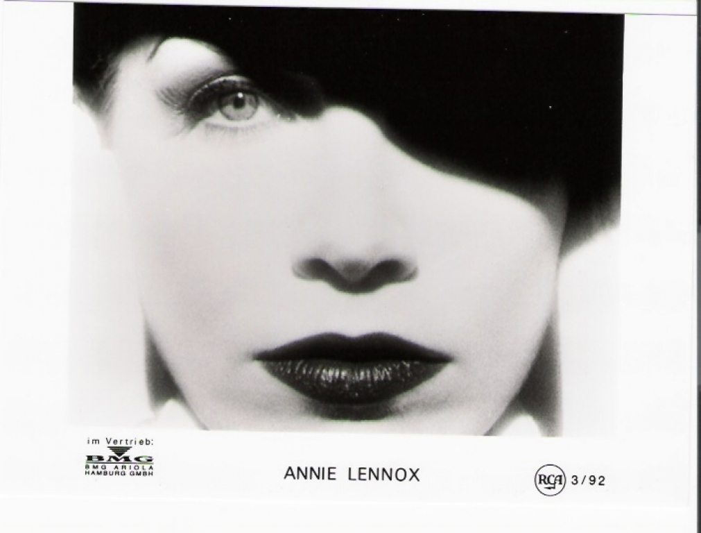 Photo Of The Week : Annie Lennox – Diva (From the photo archives of Norma Koning)