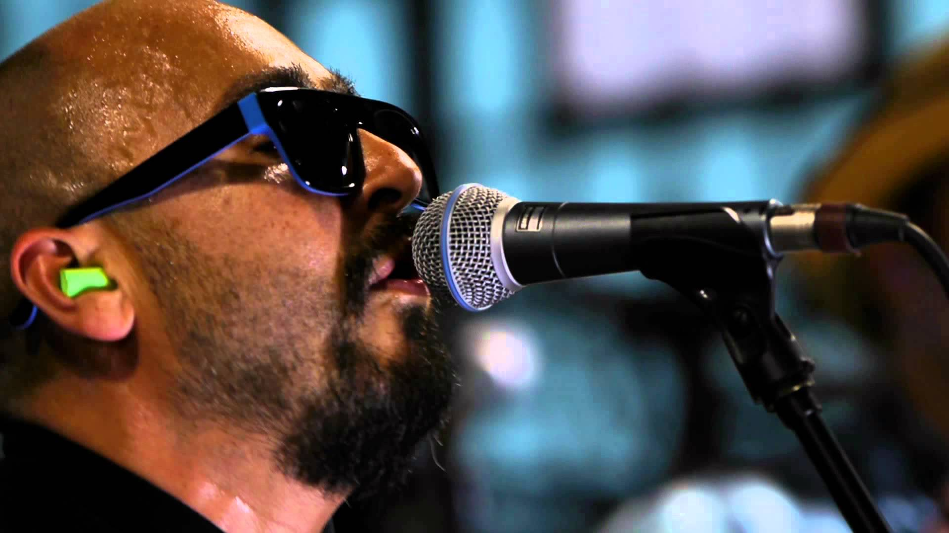 This week's Dave Stewart collaboration : Ozomatli on the track Brighter from their album Ozomatli