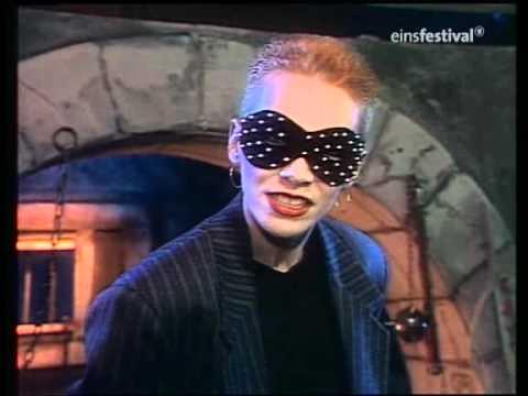 Video Of The Week : Eurythmics performing Love Is A Stranger in 1983 on German TV