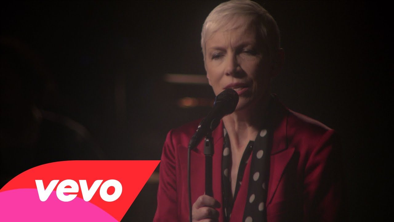 Annie Lennox releases her next live performance video for Georgia On My Mind