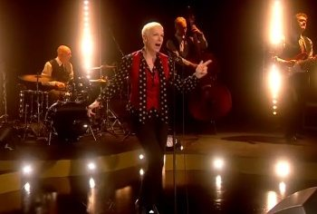 Annie Lennox I Put A Spell On You Skavlan