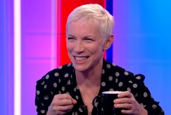 Annie Lennox - The One Show Interview