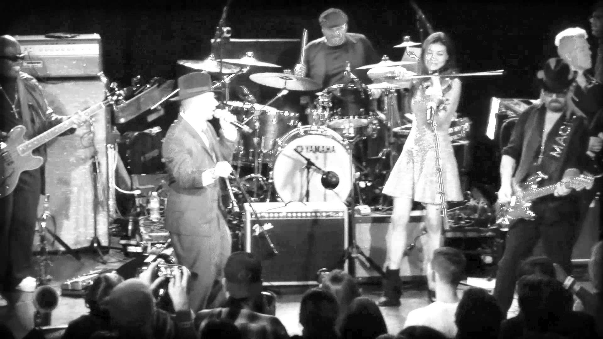 Are you ready for Stewart Lindsey? Here's 4 live videos from Dave Stewart's gig at The Roxy last year