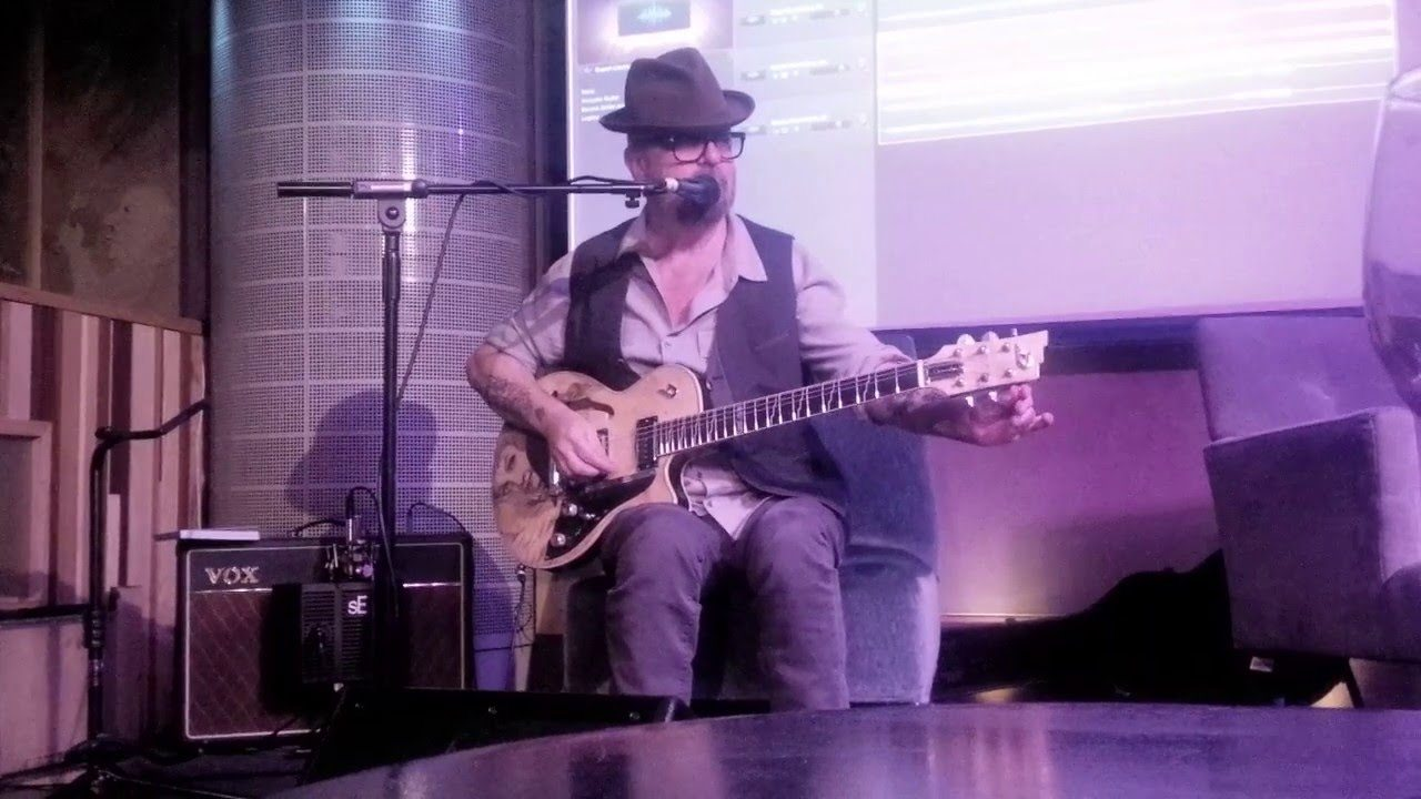 Dave Stewart and Bob Harris at The Hospital Club – Video and Gallery